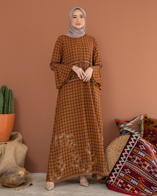 ZHALFA DRESS IN TAWNY SIZE L